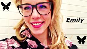 Emily Bett Rickards fondo de pantalla