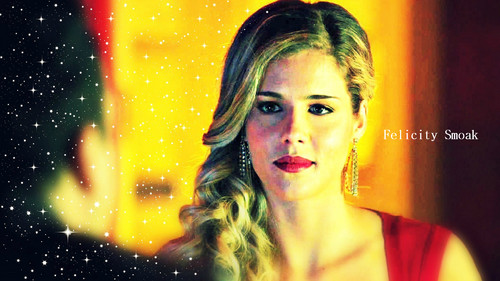 Emily Bett Rickards wallpaper containing a konser and a portrait titled Emily Bett Rickards as Felicity Smoak wallpaper