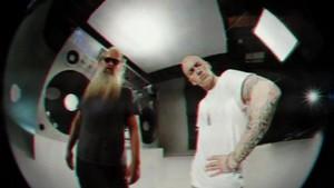 エミネム - Berzerk {Music Video}