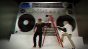 Eminem - Berzerk {Music Video}w