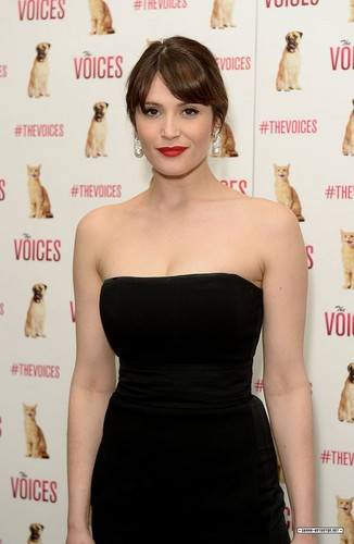 Gemma Arterton 바탕화면 probably containing a 칵테일 dress, a bustier, and a 공식 만찬, 저녁 식사 dress called Gemma Arterton