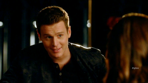 Jesse St. James Hintergrund possibly with a portrait entitled Glee S06E11 – We Built This Glee Club