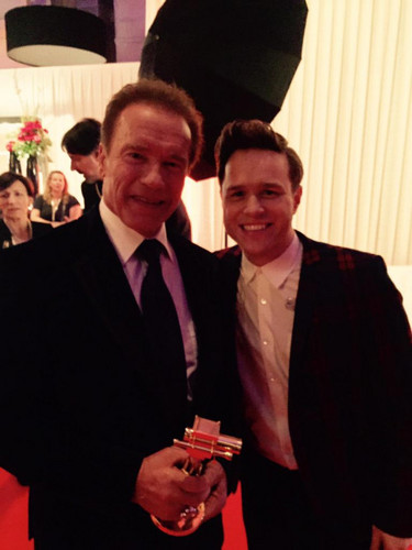 Olly Murs 壁紙 with a business suit and a suit entitled Golden Kamera awards
