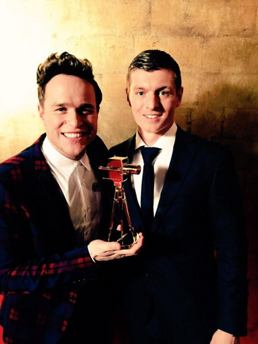 Olly Murs wallpaper with a business suit, a suit, and a three piece suit entitled Golden Kamera awards