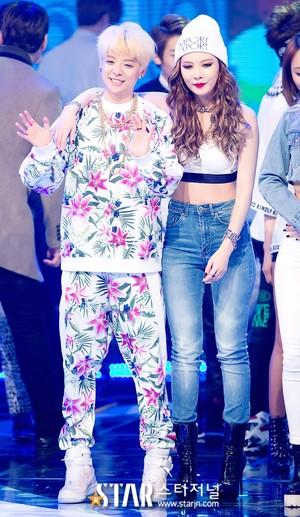 Hyuna and Amber - hiển thị Champion
