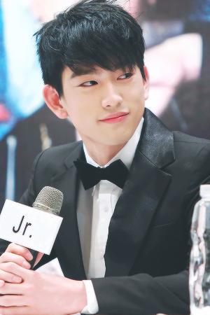 JR hottie❤ ❥