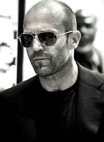 Jason Statham karatasi la kupamba ukuta with sunglasses entitled Jason Statham