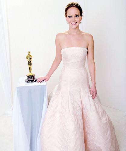 HarleySkywalker images Jennifer Lawrence with her Oscar wallpaper ...