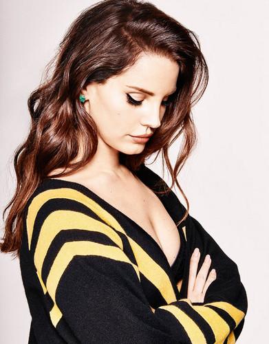 Lana Del Rey karatasi la kupamba ukuta with a portrait called Lana Del Rey