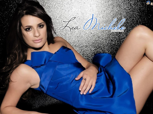 Lea Michele वॉलपेपर containing a कॉकटेल dress and a chemise called Lea Michelle