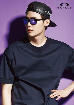 Lee Jong Seok For New Oakley Eyewear Ads