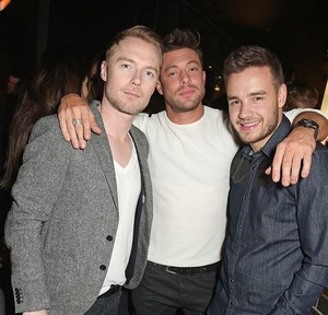 Liam attend a party hosted oleh Kevin Systrom and Jamie Oliver