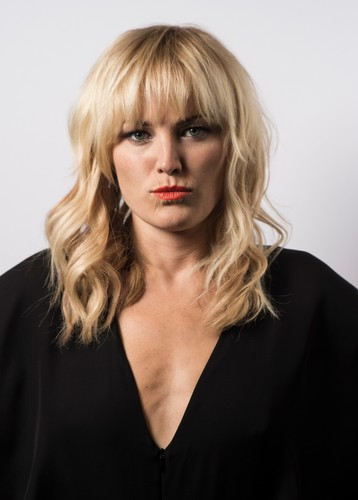 Malin Akerman wallpaper probably with a portrait entitled Malin Akerman