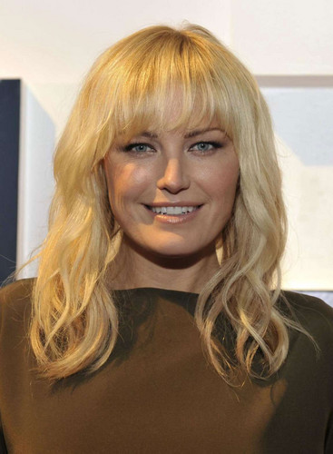 Malin Akerman wallpaper probably with a portrait called Malin Akerman