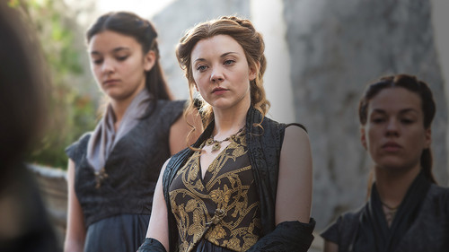 Margaery Tyrell wallpaper possibly with a street entitled Margaery Tyrell Season 5