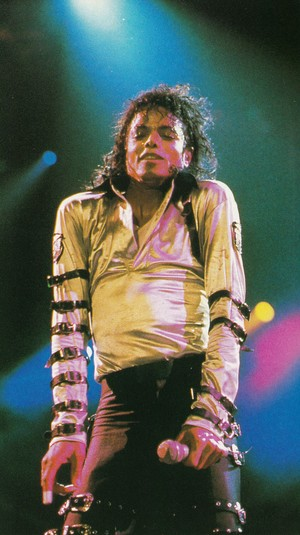 Michael Jackson - HQ Scan - Bad Tour