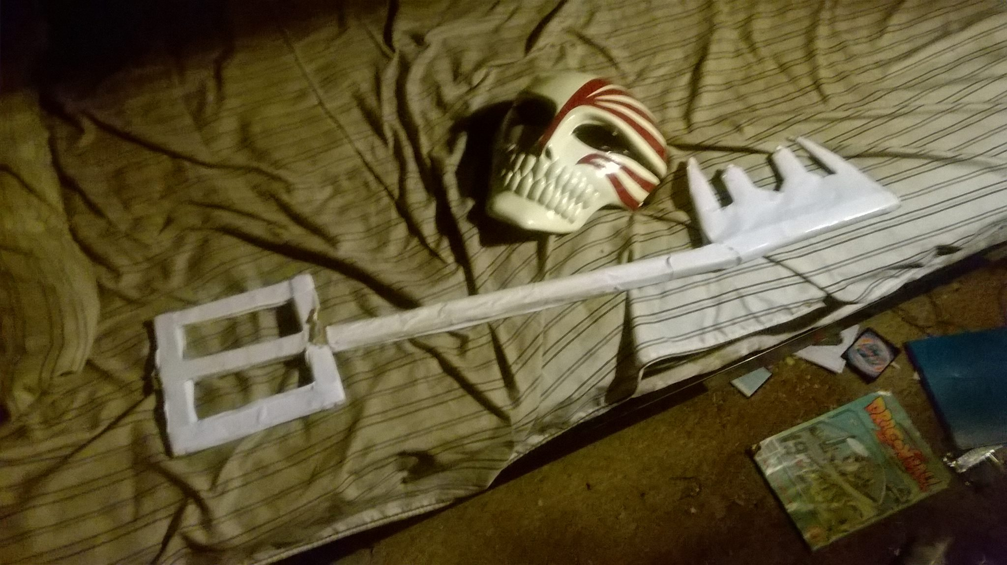 My Kingdom Hearts Keyblade and Bleach Hollow Mask