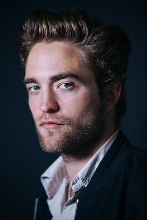 Robert Pattinson wallpaper with a business suit entitled Robert Pattinson