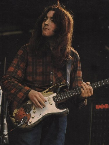 Rory Gallagher 바탕화면 containing a guitarist called Rory Gallagher