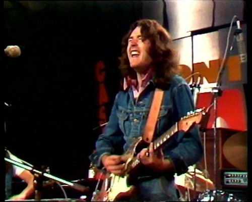 Rory Gallagher 바탕화면 containing a 음악회, 콘서트 and a guitarist titled Rory Gallagher