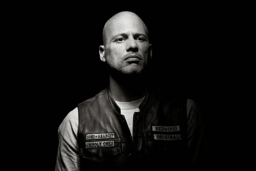 Sons of Anarchy Hintergrund titled Season 6 Cast Portraits - Happy