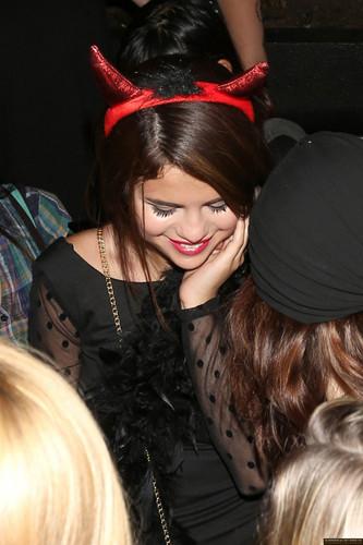 瑟琳娜·戈麦斯 壁纸 entitled Selena Gomez