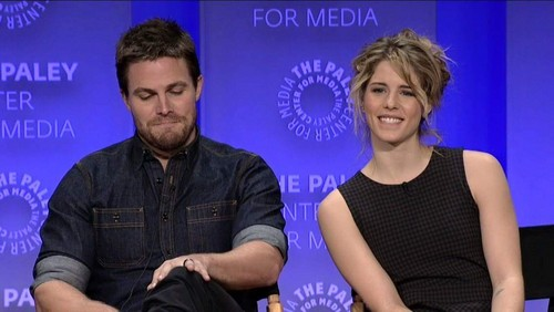 Stephen Amell & Emily Bett Rickards fond d'écran titled Stephen and Emily