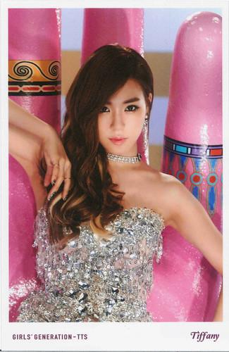 Tiffany Hwang fondo de pantalla titled TaeTiSeo Tiffany- Holler Polaroids