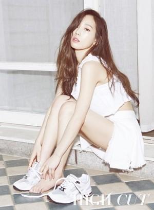 Taeyeon - HighCut