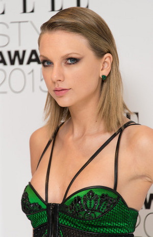 Taylor Elle Style awards