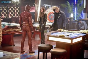 The Flash - Episode 1.16 - Rogue Time - Promo Pics