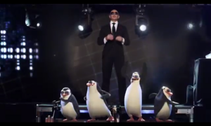 The Penguins of Madgascar in konsiyerto with Pitbull