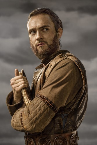 vikingos (serie de televisión) wallpaper probably with a green beret, a rifleman, and vestido de batalha titled Vikings Athelstan Season 3 Official Picture