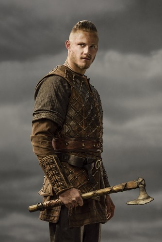 Vikings (TV Series) karatasi la kupamba ukuta probably with a surcoat called Vikings Bjorn Season 3 Official Picture