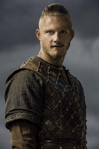 Vikings (TV Series) karatasi la kupamba ukuta possibly with a breastplate and a dirii, brigandine called Vikings Bjorn Season 3 Official Picture