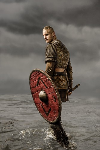 Vikings (TV Series) karatasi la kupamba ukuta probably with a shield called Vikings Bjorn Season 3 Official Picture