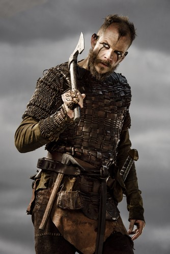 Vikings (TV Series) karatasi la kupamba ukuta possibly containing a surcoat, a tabard, and a rifleman called Vikings Floki Season 3 Official Picture