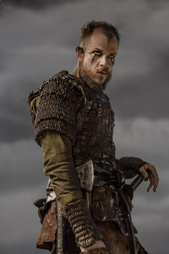 Vikings (TV Series) karatasi la kupamba ukuta probably containing a surcoat titled Vikings Floki Season 3 Official Picture