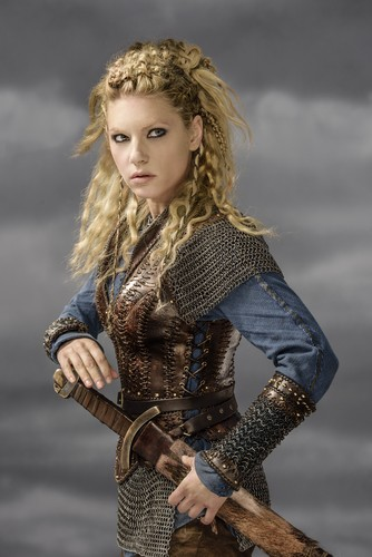 Vikings (TV Series) پیپر وال entitled Vikings Lagertha Season 3 Official Picture