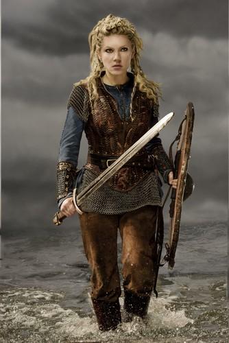 Vikings (TV Series) karatasi la kupamba ukuta called Vikings Lagertha Season 3 Official Picture
