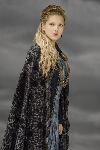 Vikings (TV Series) wolpeyper containing a balahibo amerikana entitled Vikings Lagertha Season 3 Official Picture