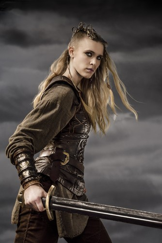 Vikings (TV Series) karatasi la kupamba ukuta called Vikings Porunn Season 3 Official Picture