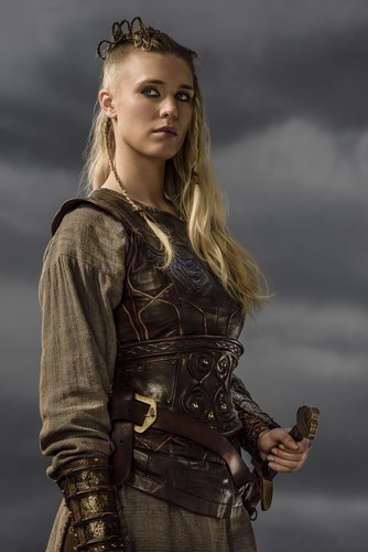 Vikings (TV Series) karatasi la kupamba ukuta probably with a breastplate and an armor plate called Vikings Porunn Season 3 Official Picture