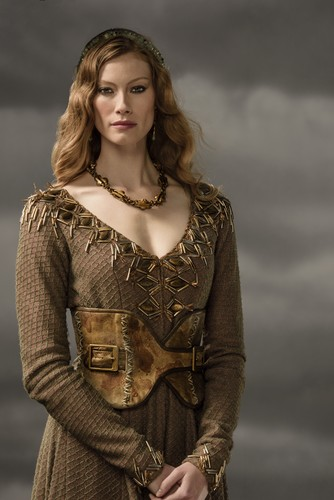 vikingos (serie de televisión) wallpaper probably containing a surcoat, sobretudo called Vikings Aslaug Season 3 Official Picture