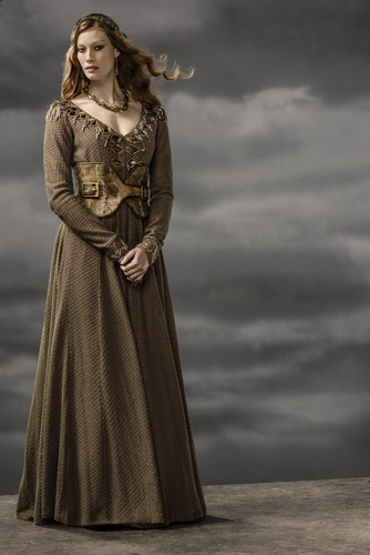 vikingos (serie de televisión) wallpaper probably with a kirtle called Vikings Aslaug Season 3 Official Picture
