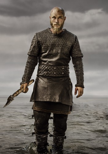vikingos (serie de televisión) wallpaper possibly containing a surcoat, sobretudo entitled Vikings Ragnar Lothbrok Season 3 Official Picture