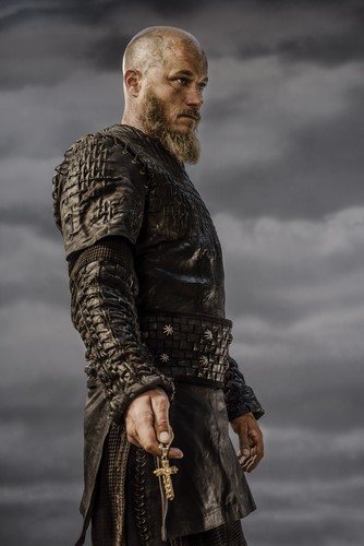 vikingos (serie de televisión) wallpaper possibly with a surcoat, sobretudo entitled Vikings Ragnar Lothbrok Season 3 Official Picture