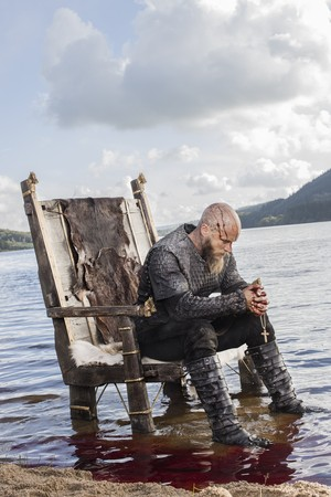 Vikings Ragnar Lothbrok Season 3 Official Picture