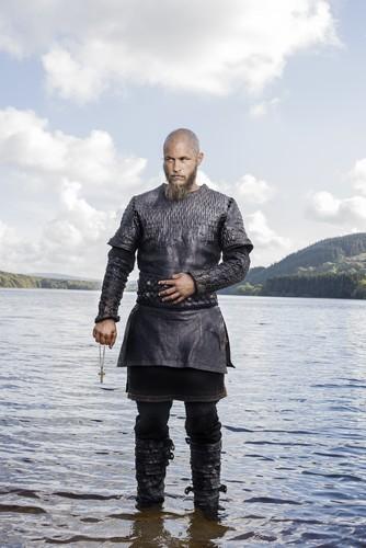 Vikings (TV Series) karatasi la kupamba ukuta entitled Vikings Ragnar Lothbrok Season 3 Official Picture