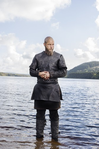 Vikings (TV Series) achtergrond entitled Vikings Ragnar Lothbrok Season 3 Official Picture